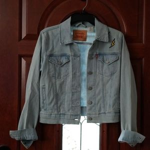 Womens Levi's denim jacket NWOT